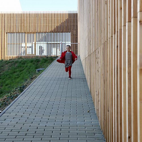 THE NEW SCHOOL SHOWS CHILDREN THE MAGIC OF WOOD